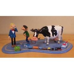 Guust Flater tinfiguren 4772 Guust met Kwabbernoot, de koe en miniatuurtrein