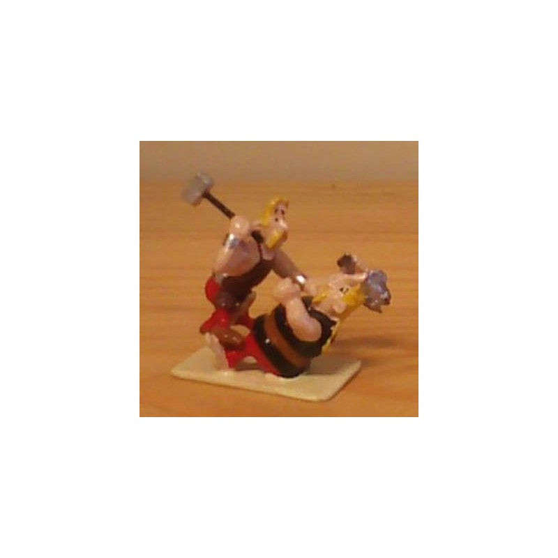 Asterix tinfiguren 2310 pixi-mini Hoefnix en Kostenrix vechten