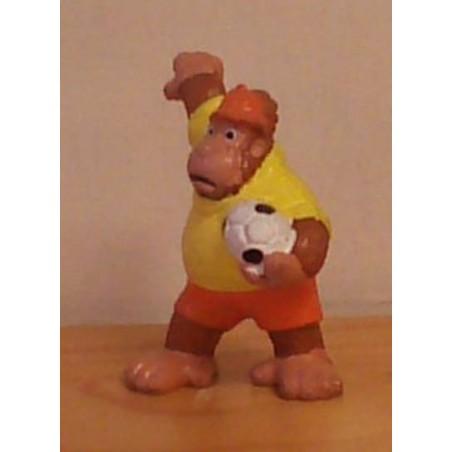 Dieren met voetbal poppetje Gorilla 1981