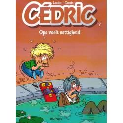 Cedric  07 Opa voelt nattigheid