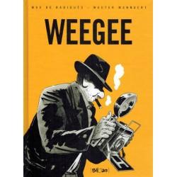 Mannaert strips HC Weegee
