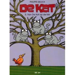 Kat B05 Van de kat op de tak