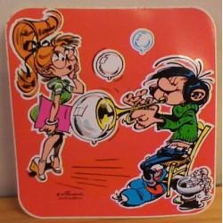 Guust Flater sticker Guust blaast bellen op trompet