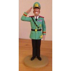 Kuifje  beeldje Kolonel Alvarez in dienst van Generaal Tapioca (Picaro's pag. 12)